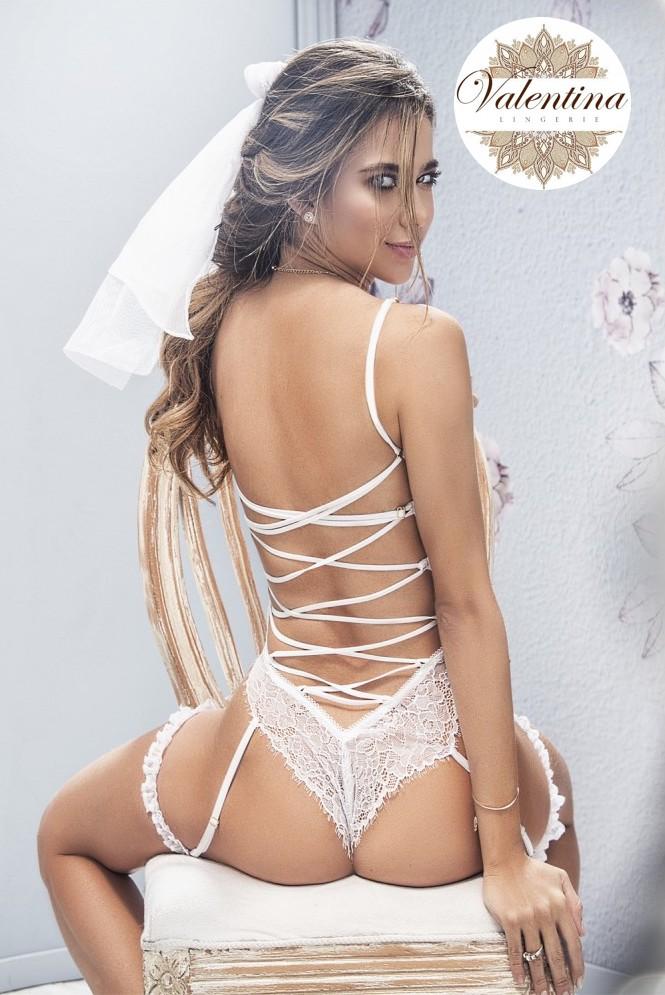 body jarretelles blanc avec dos lace et jarretieres 3